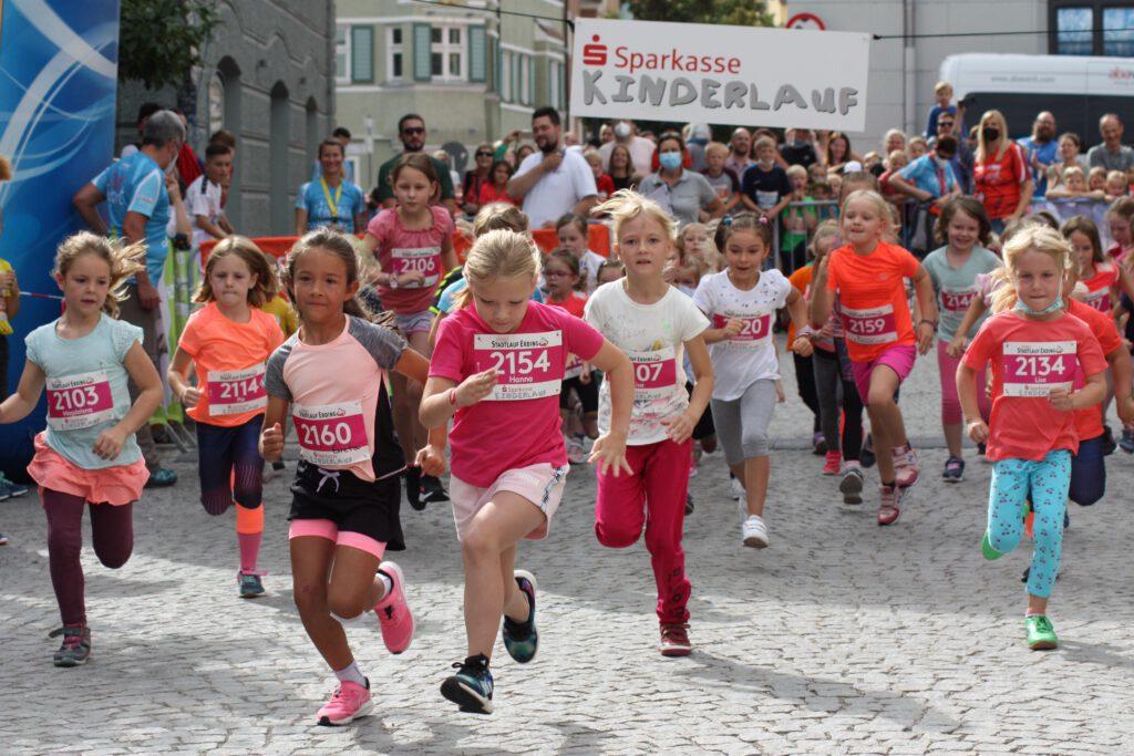 Start des Sparkassen Kinderlaufes